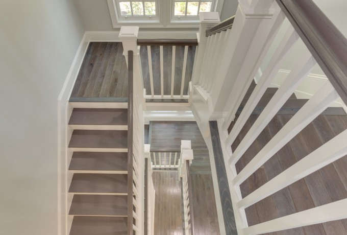 19 2801 Chesapeake St NW-MLS_Size-095-68-Staircase-2048×1536-72dpi